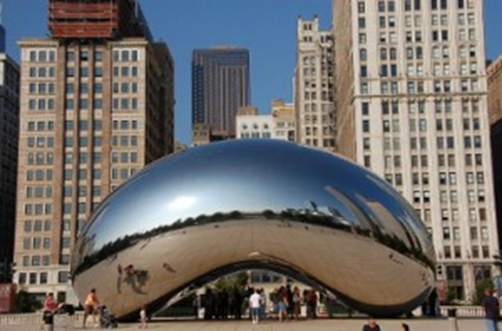 "Cloud Gate, or ""the bean"" at Millenium Park in Chiacago"