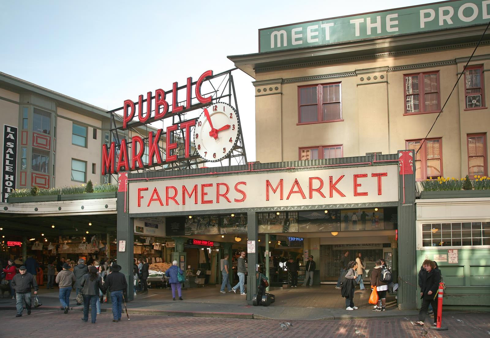 Seattle pacific northwestern charm with religious sites for Pike place fish market video