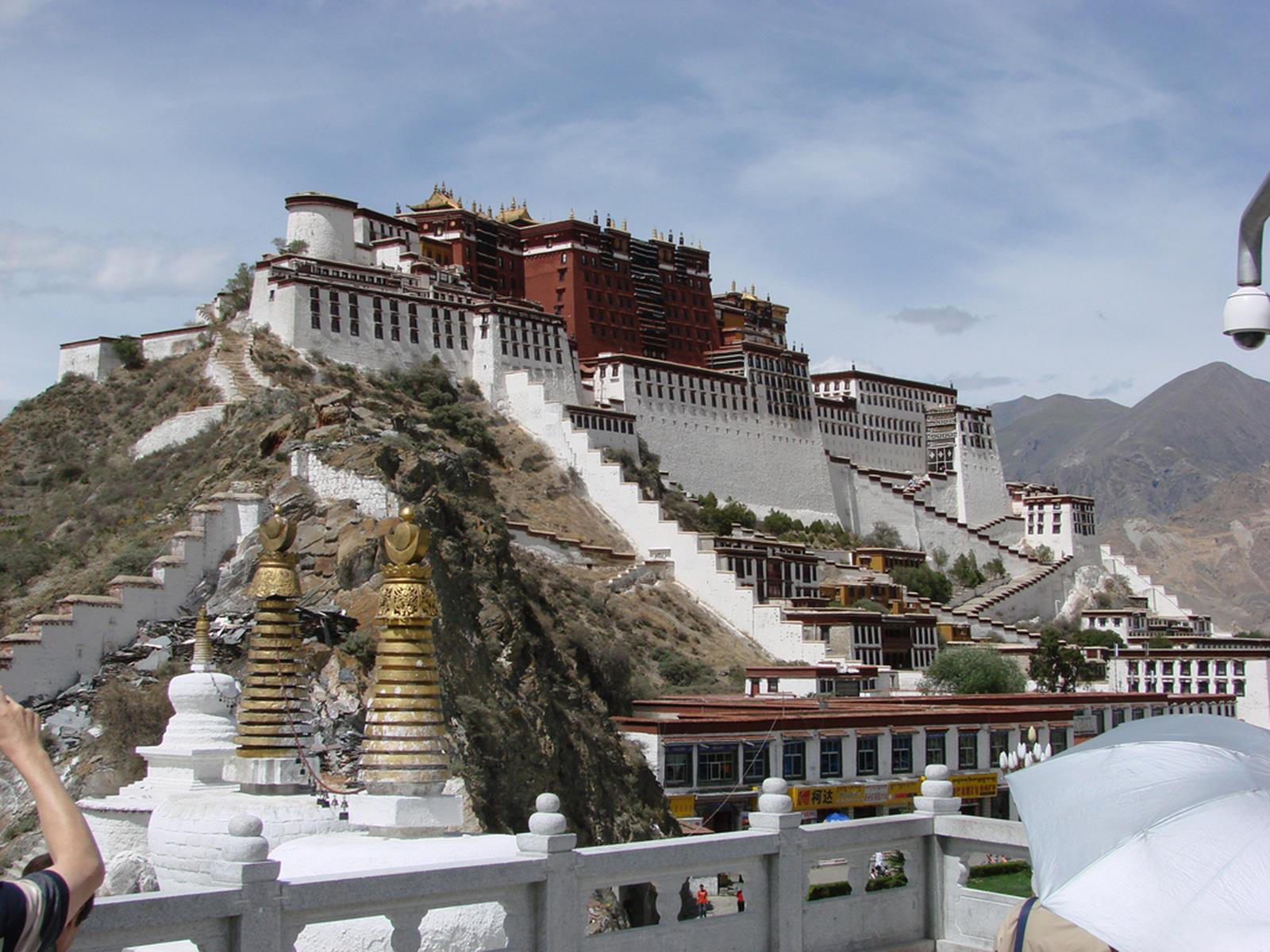 Potala Palace, one of the many stops along the ride between China and Tibet. Credit