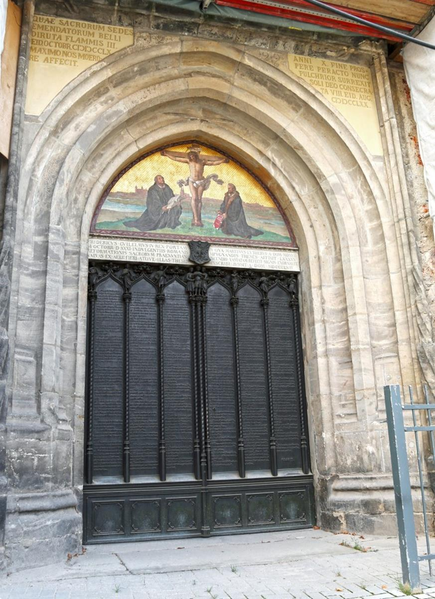 Castle Church with 95 theses door in Wittenberg: GNTB, Andrews, J.D.