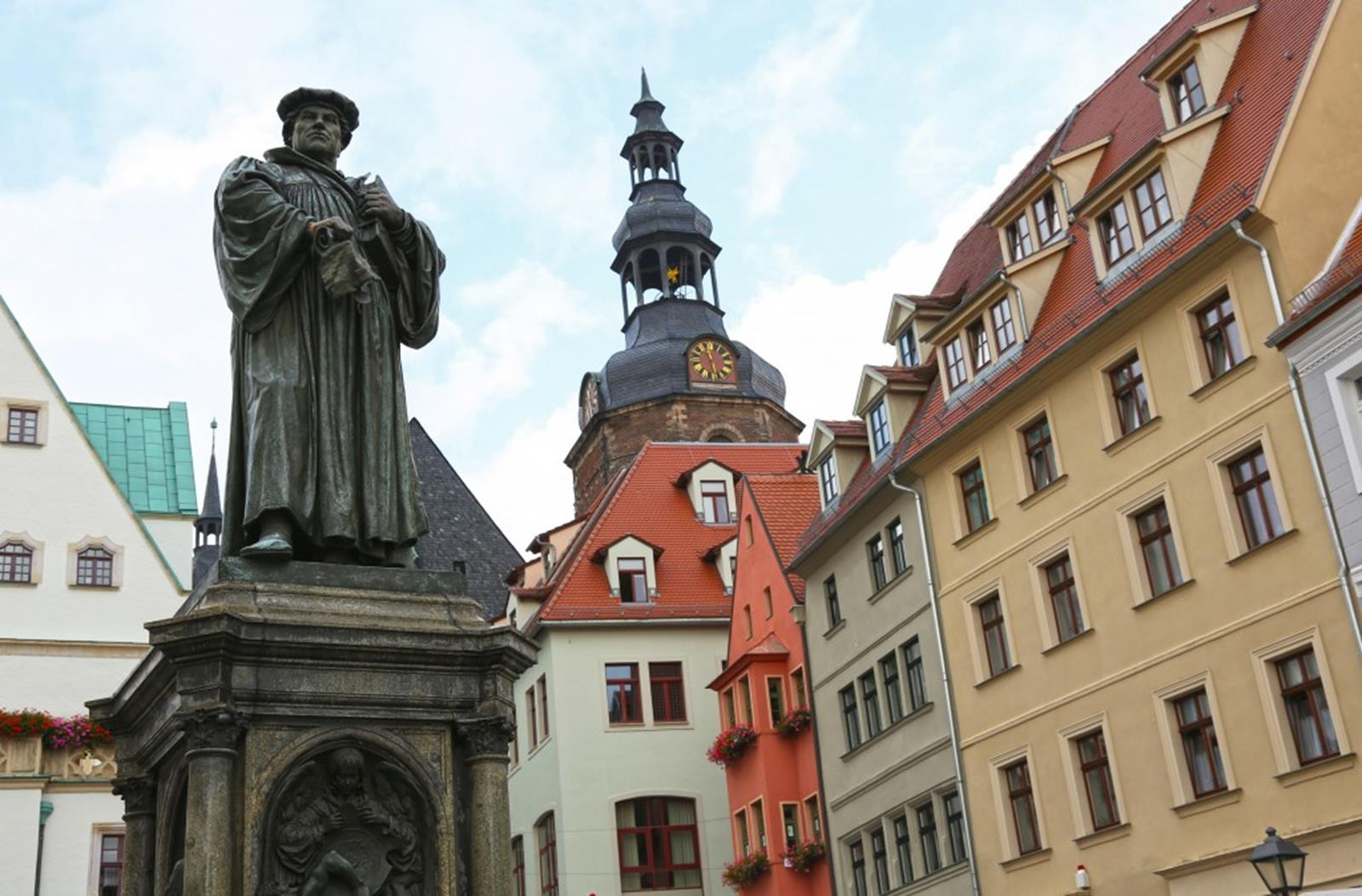 Luther memorial at the market place in Eisleben: Credit GNTB, Andrews, J.D.