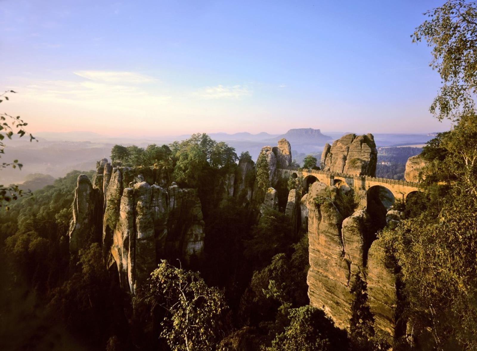 Less than one hour drive from Dresden: the Saxon Switzerland National Park © Sylvio Dittrich
