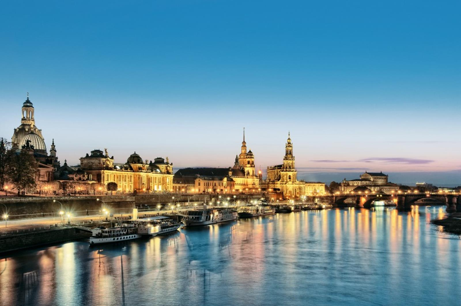 The famous skyline of Dresden's Altstadt attracts millions of visitors every year. © Dresden Marketing GmbH / Photo: Frederik Schrader