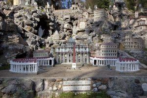 Ava Maria Grotto and St. Bernard Abbey, Cullman, Alabama - 20 sites